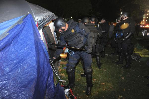 Occupy Wall Street Riot Police Raid Tents Photo Credit http://urbangrounds.com/2