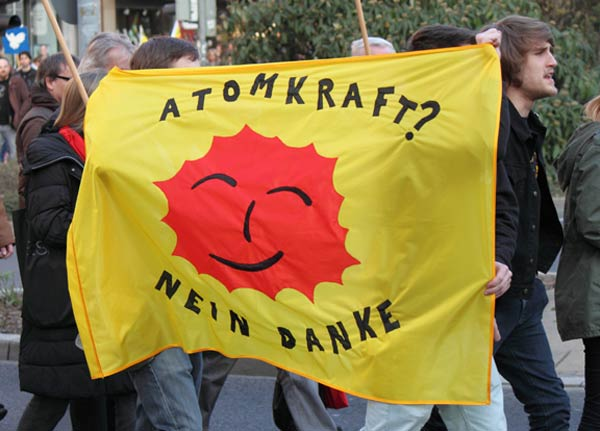 Anti Nuclear Power Protest Flag Atomkraft Memkaos